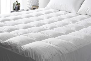 Luxurious mattress underlay or topper